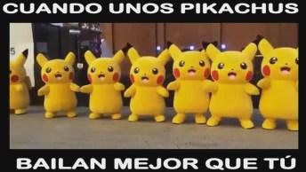 Grupo De Pokémon Dançando, Esses Pikachu Mandam Muito Bem!