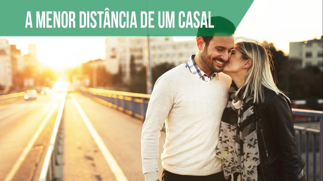A menor distância quando se ama é o beijo!