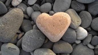 Mensagem De Amor Para Um Coração De Pedra, Envie Pelo Whatsapp!