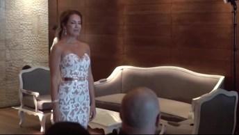 Noiva Canta Em Sua Entrada De Casamento Usando Língua De Sinais Para O Noivo!