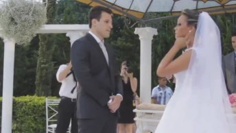 Noiva Canta Uma Música Composta Por Ela No Dia De Seu Casamento!