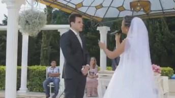 Noiva Compõe E Canta Música Para Noivo No Dia De Seu Casamento, 'Eu Prometo'!