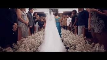 Noiva Entra Antes Do Noivo Em Casamento, E A Reação Dele Não Poderia Ser Outra!