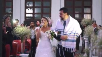 Noiva Entra Cantando Canção Yeshua, Emocionando Toda A Igreja!