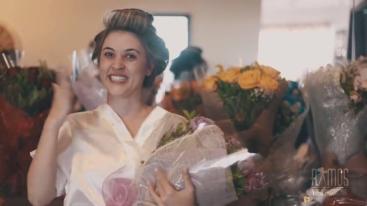 Noivo faz surpresa para sua noiva no dia do casamento