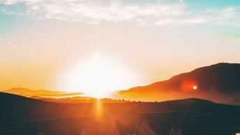 Mensagem De Bom Dia Luzes E Cia! Tenha Um Dia Iluminado E Bonito!