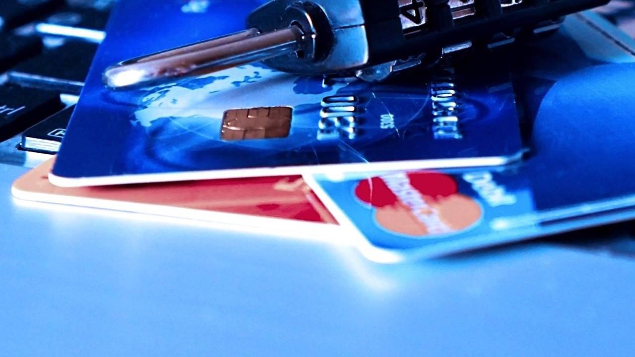 Como aproveitar as compras no cartão de crédito na Black Friday