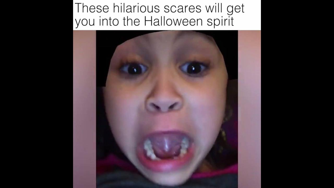 Video para desejar feliz Halloween aos amigos com sustos hahaha