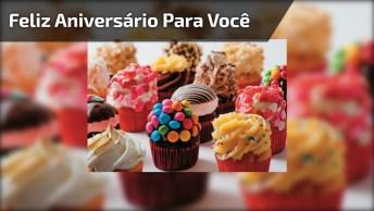 Feliz Aniversário Com Cupcakes, Uma Linda Mensagem Para Facebook!