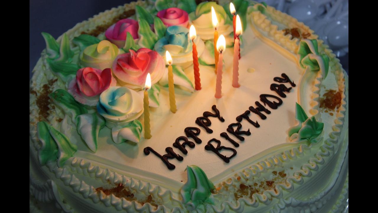 Mensagem de aniversário bolo - Uma Alegria Contagiante