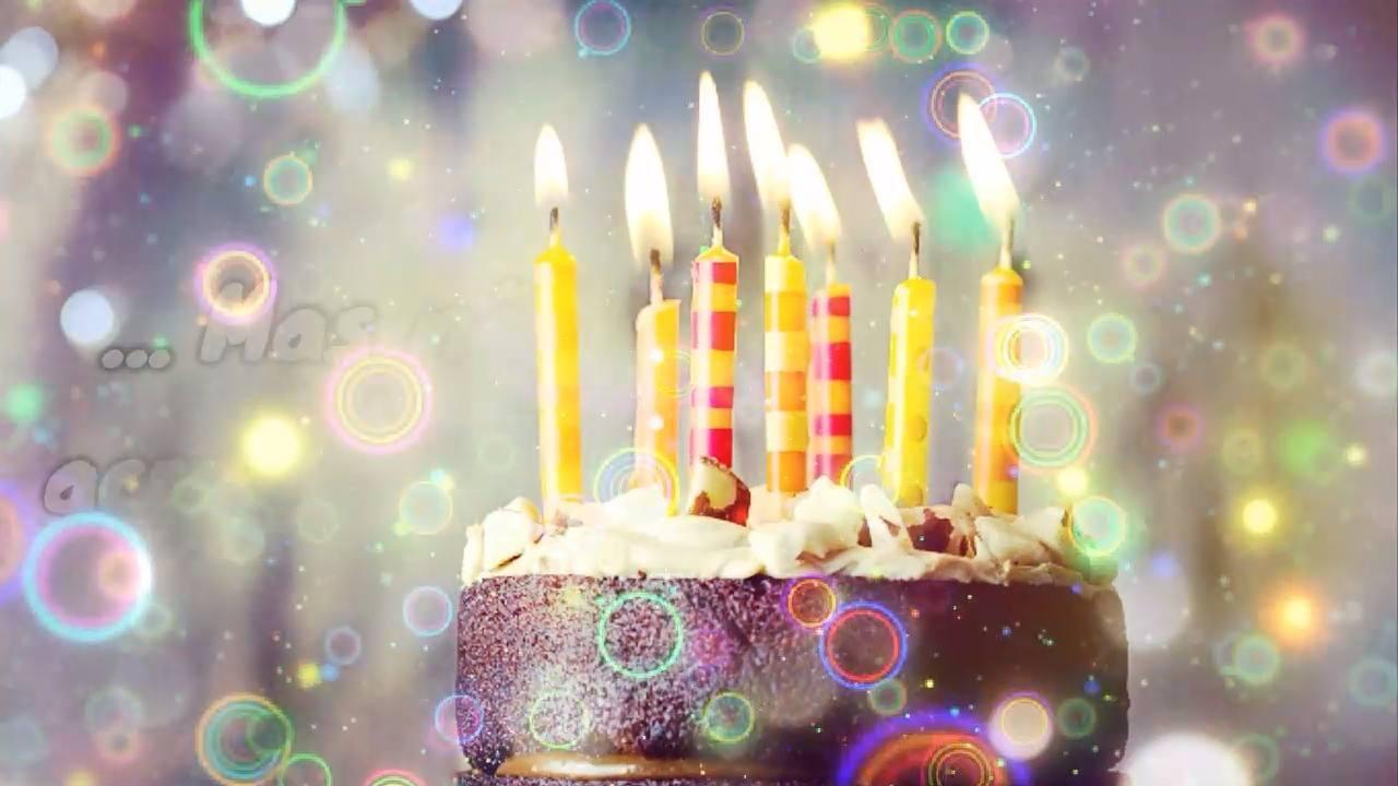 Mensagem de aniversário com imagens de bolo