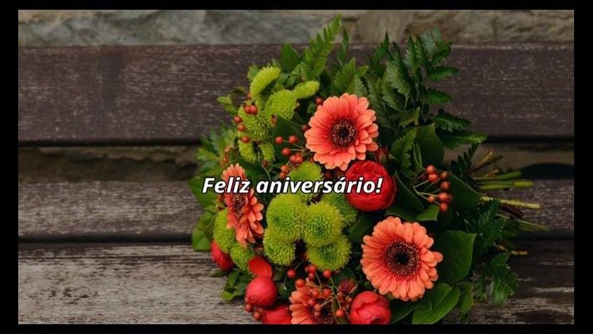 Mensagem de aniversário com mensagem especial