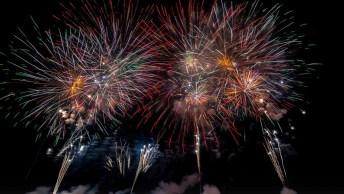 Mensagem Com Frases De Ano Novo Para Facebook. Feliz 2019 Para Todos Amigos!