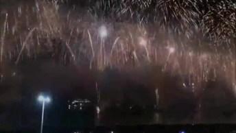 Um Feliz Ano Novo A Todos Amigos Do Facebook, Receba Estas Lindas Imagens!
