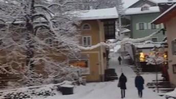 Cidade Repleta De Neve, O Verdadeiro Natal É Representado Pelo Branco Da Neve!