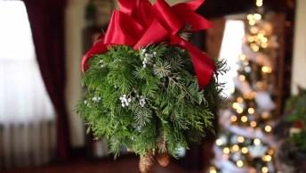 Enfeite De Natal Feita Com Flores Naturais, Perfeito Para Seu Jardim!