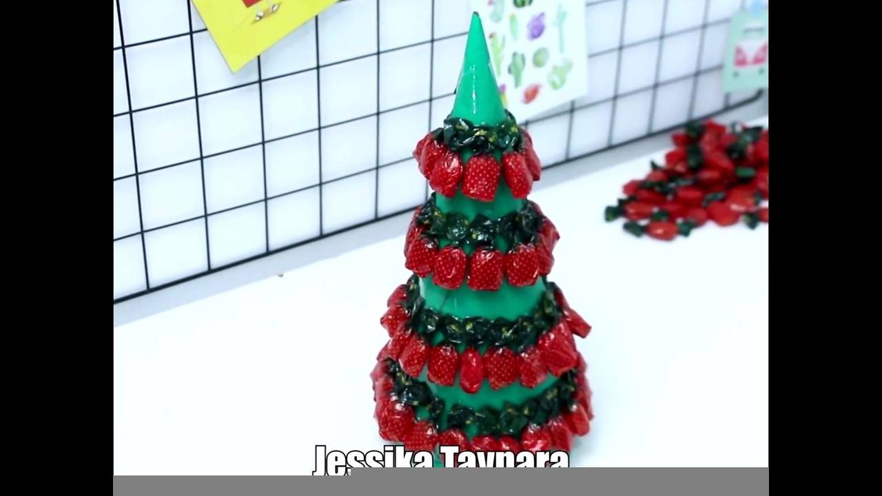 Enfeites de Natal feitos com balas e chocolates