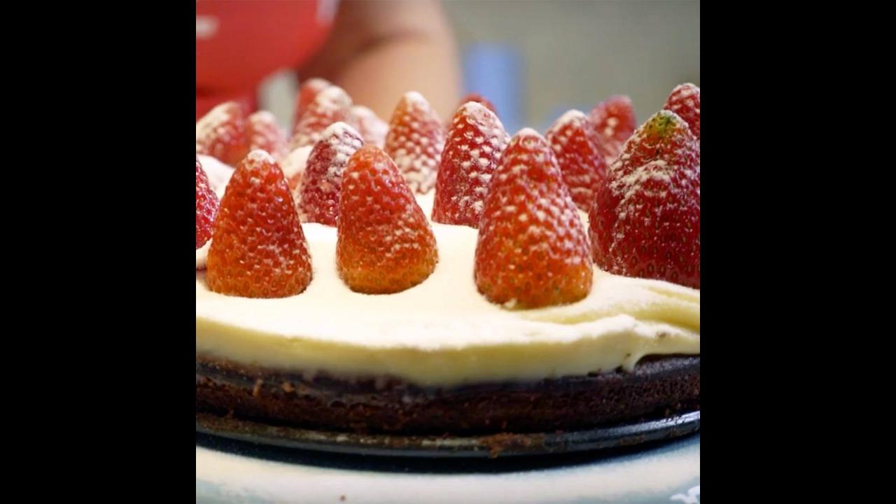 Sobremesa para o Natal,Torta de Brownie com Morangos, perfeita!