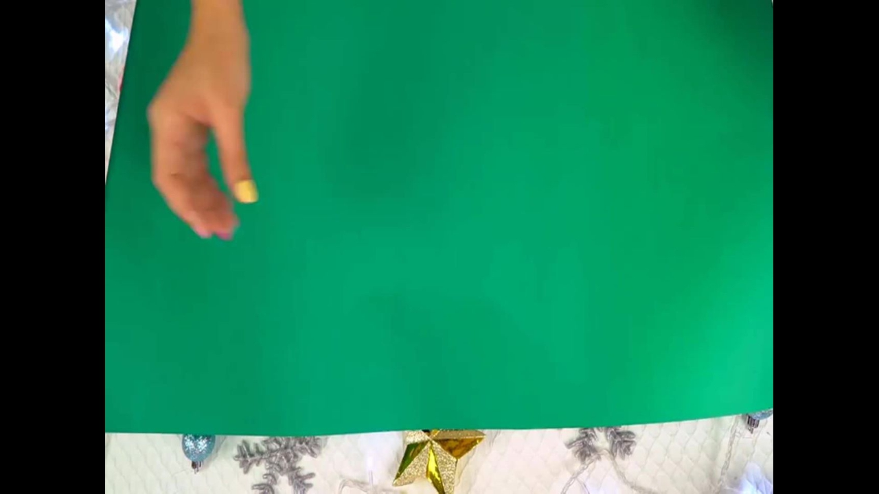 Vídeo com 3 tutoriais de arvores de Natal para você decorar sua casa