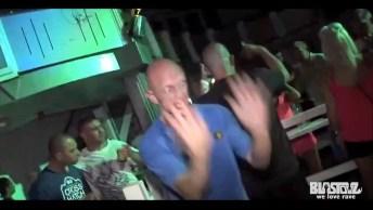 Homem Dança Muito Engraçado Para Comemorar A Sexta-Feira, Confira!