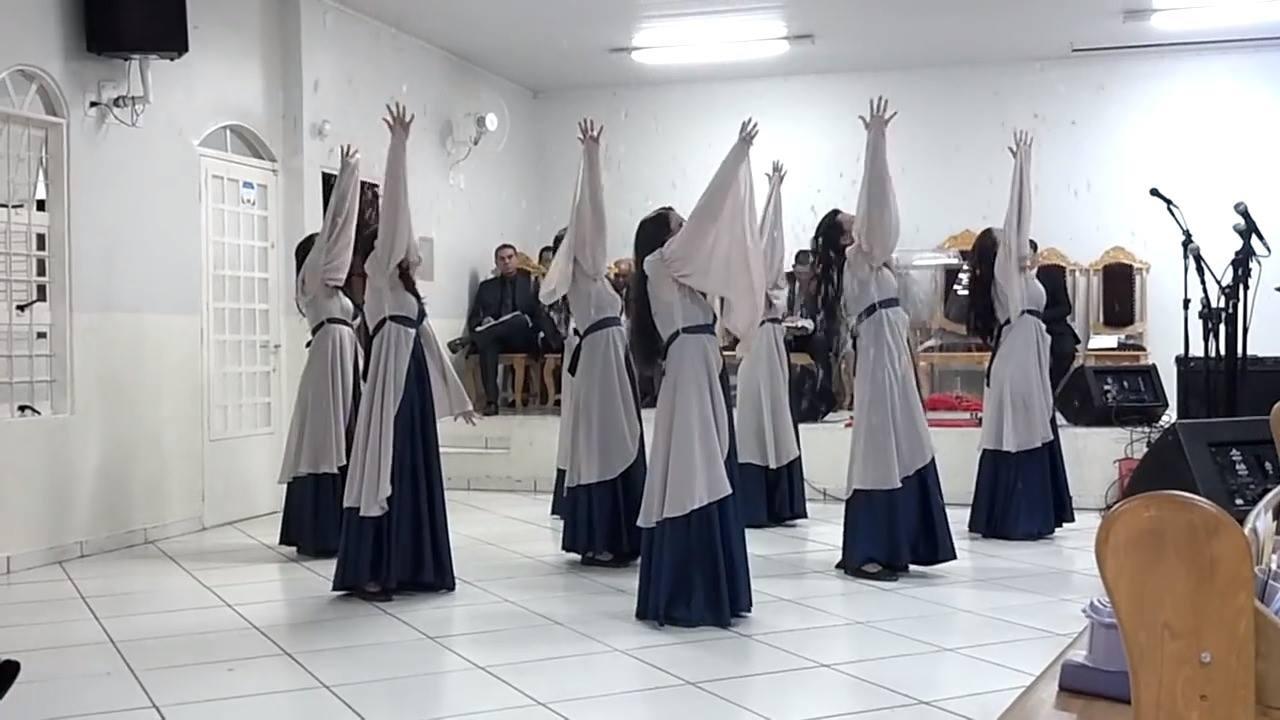 Apresentação de mulheres na igreja