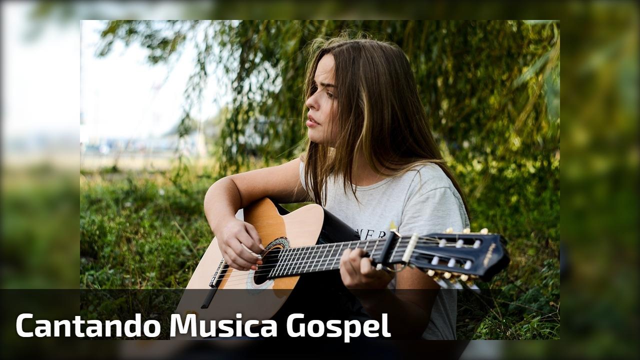 Cantando musica gospel