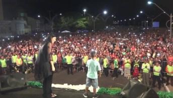 Menino Se Perde Em Show Gospel E Prega Para Todas As Pessoas Presentes!