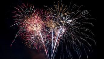 Mensagem Gospel Fim De Ano - Aos Amigos, Um Ano Novo Abençoado!