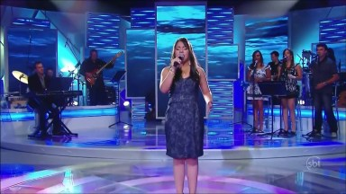 Moça Cantando 'Hallelujah' Em Programa De Televisão, Emocionante!