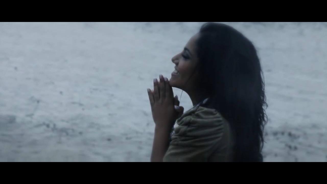 Vídeo com linda musica de Gabriela Rocha Creio Que Tu És a Cura