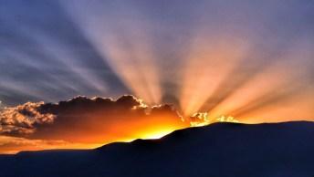 Oração Da Noite - Chegou A Hora De Agradecer Pelo Dia Vencido!