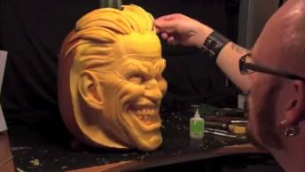 Arte De Moldar Uma Abobora Com Rosto Assustador Para O Halloween!