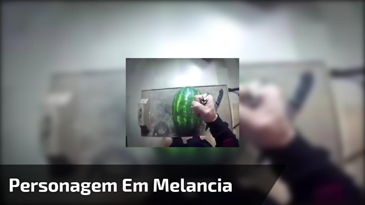 Personagem em melancia