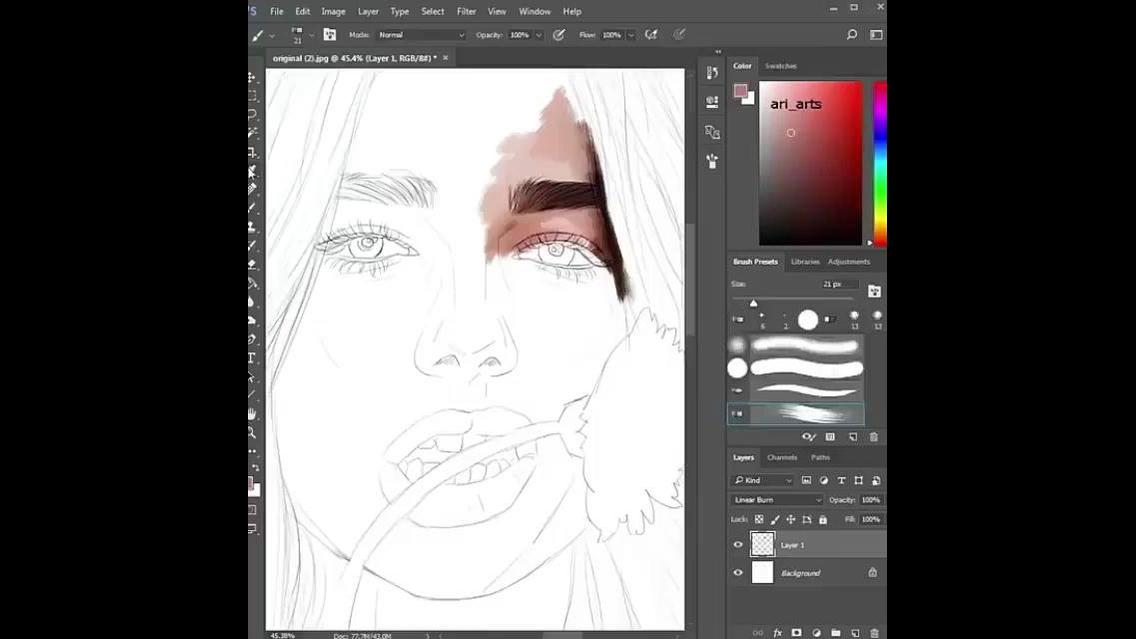 Desenhando uma mulher com a ajuda de um programa de computador