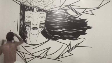 Desenho De Mulher Feito Na Parece De Casa Um Artista, Sensacional!