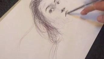 Desenho De Uma Mulher Feito Com Caneta, Um Talento Incrível!