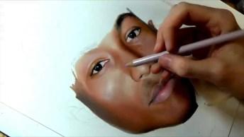 Desenho Feito Com Lápis De Cor De Pharrell Williams, Perfeito!