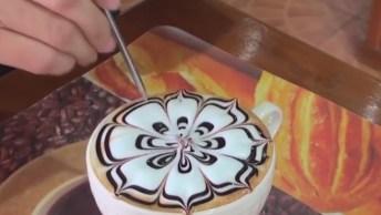 Obra De Arte No Café Na Tailândia, São Vários Desenhos Sensacionais!