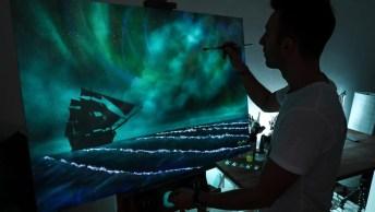 Quadro Com Desenho Do Mar Pintado Com Tinta Que Brilha No Escuro!