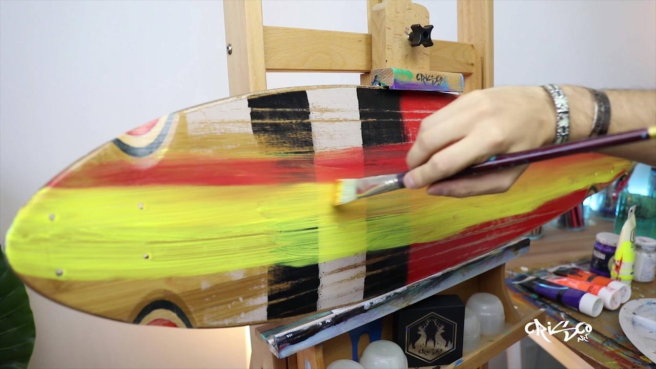 Transformando um Skate velho em uma obra de arte que muda quando a luz se apaga