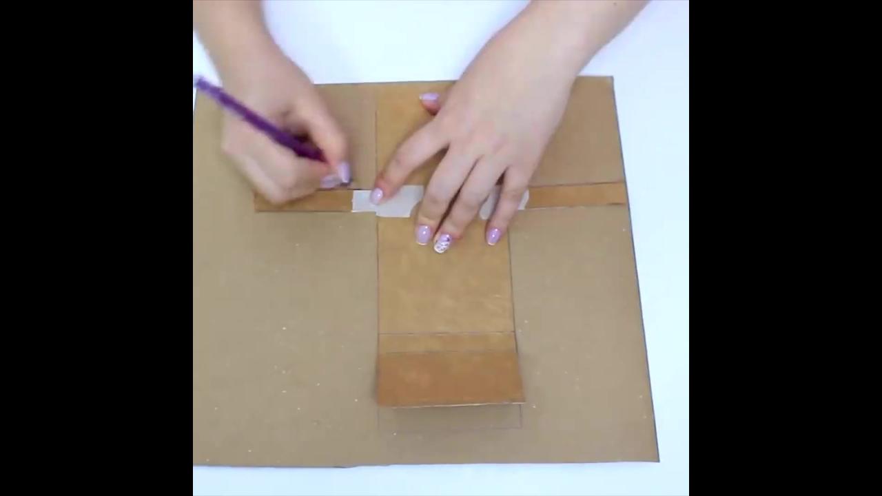 Aprenda a fazer duas opções de porta-absorventes para carregar na bolsa