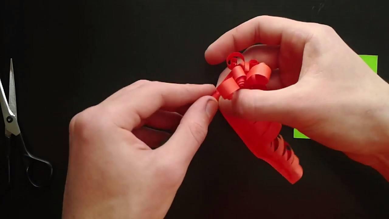Aprenda a fazer uma linda flor de papel