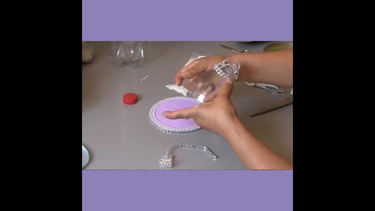 Aprenda a fazer uma taça com garrafa pet e EVA