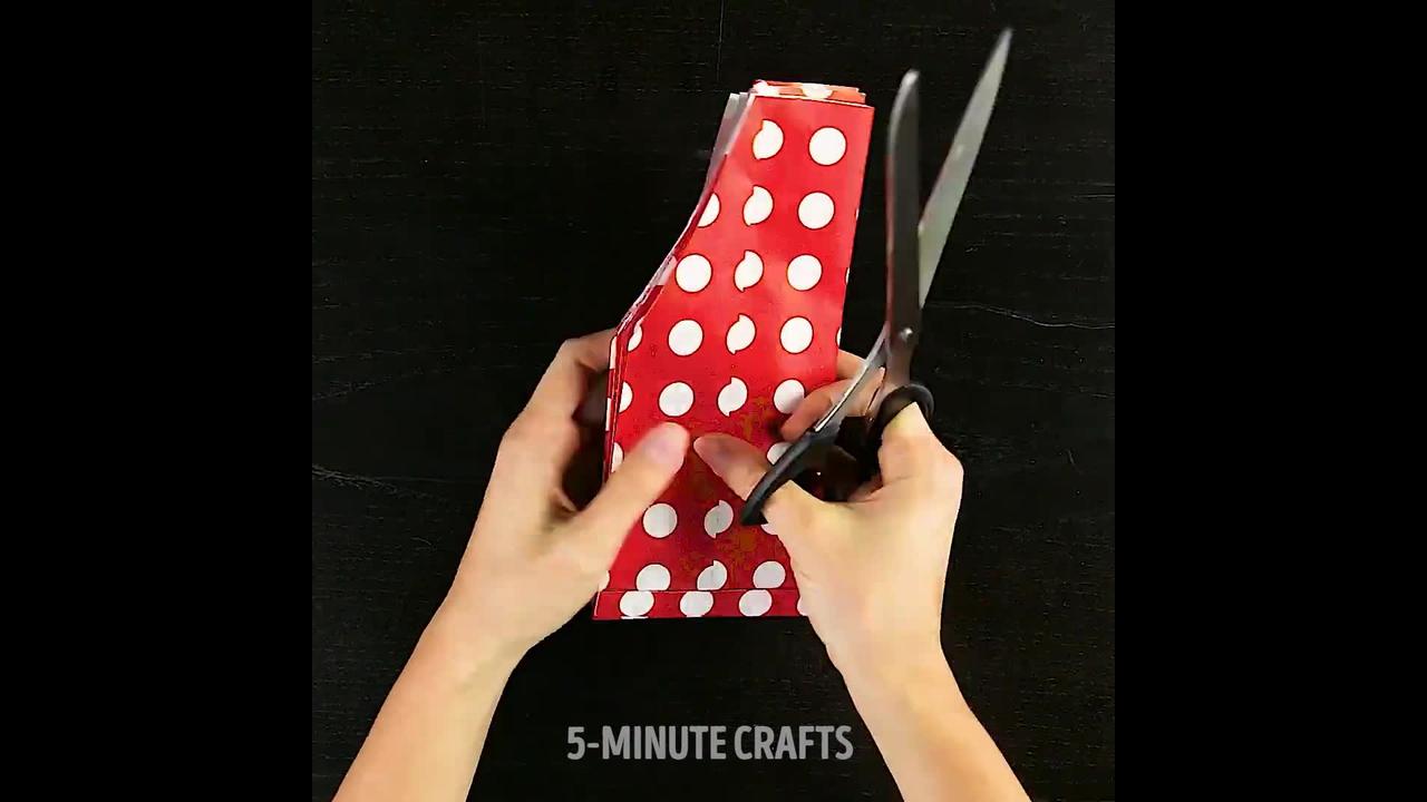 Aprenda a fazer várias decorações de festa com papel