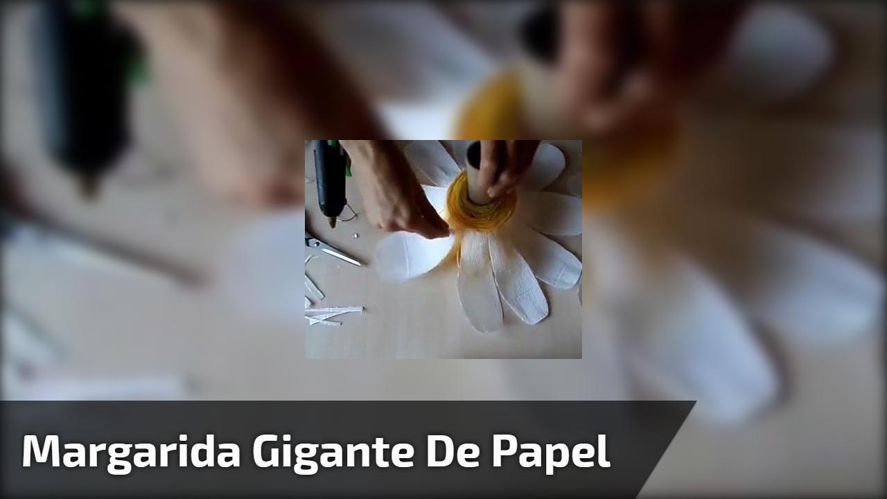 Margarida gigante de papel