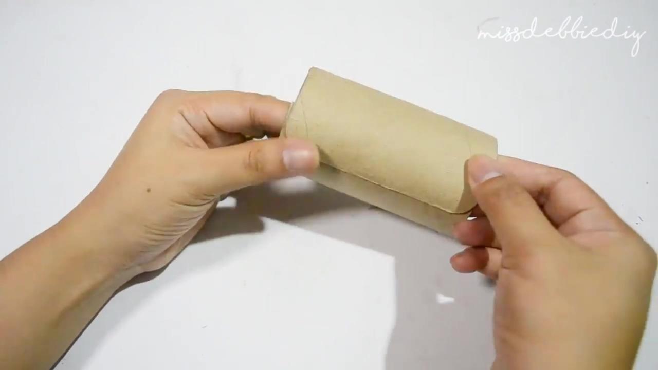 Artesanato com rolinhos de papel higiênico