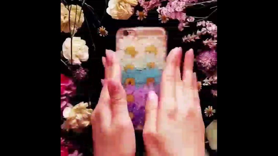 Artesanato de colagem para capinha de celular com flores e Glitter!!!