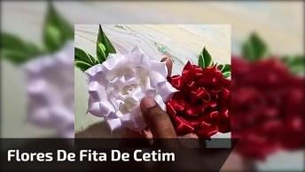 Artesanato De Flores Feitas De Fita De Cetim Nas Cores Vermelho E Branco!