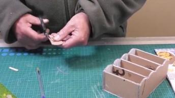 Artesanato De Miniatura De Comoda Para Bonecas, Veja Como Fica Linda!