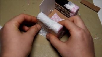 Artesanato De Miniatura De Sofá Com Almofadas, Olha Só Que Mimo!
